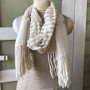 Whit And Gold Scarf